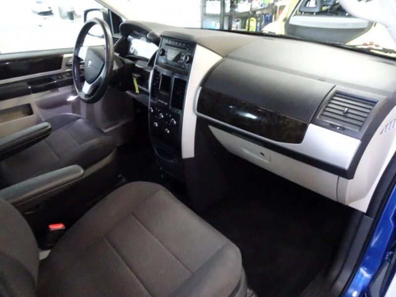 Dodge Grand Caravan 2010 price $7,600