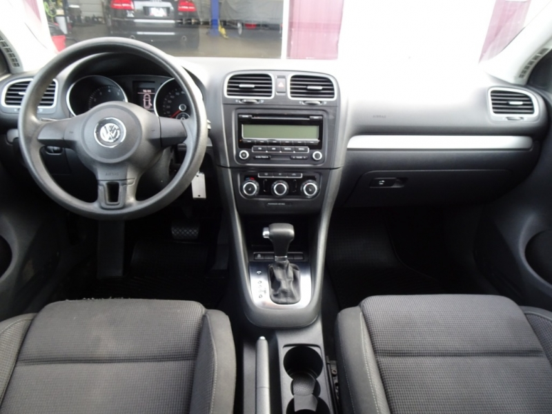 Volkswagen Golf 2011 price $5,995