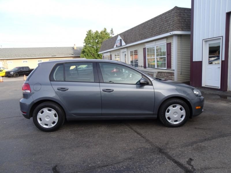 Volkswagen Golf 2011 price $5,995