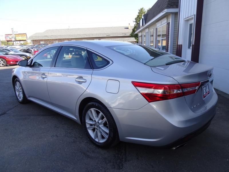 Toyota Avalon 2013 price $11,995