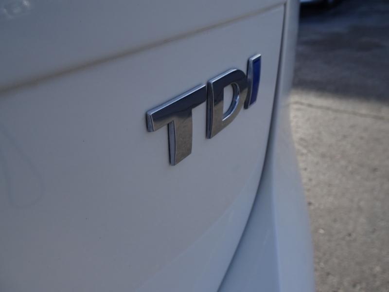 Volkswagen Touareg 2012 price $17,500