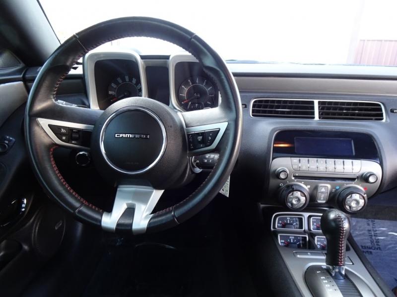 Chevrolet Camaro 2010 price $10,900