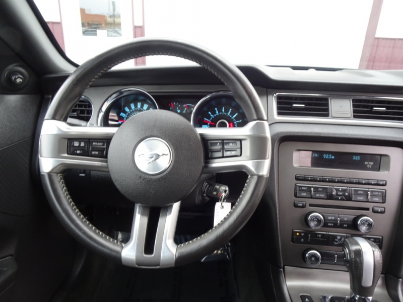 Ford Mustang 2013 price $9,800