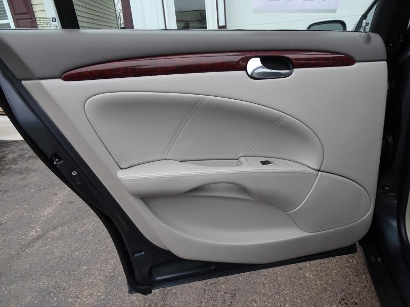 Buick Lucerne 2009 price $5,995