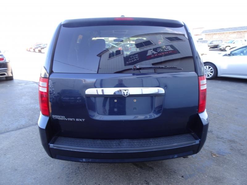 Dodge Grand Caravan 2008 price $2,600