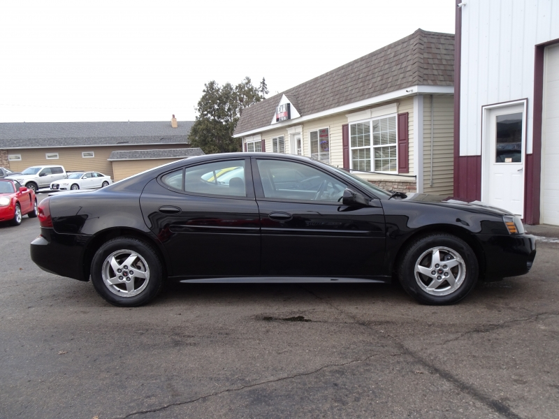 Pontiac Grand Prix 2004 price $3,500