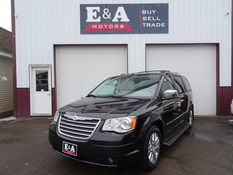 Chrysler Town & Country 2010 price $3,900