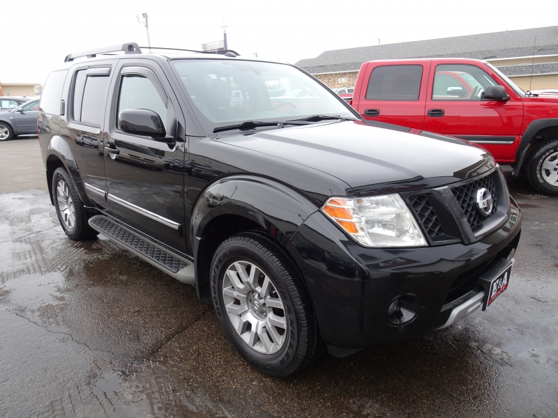 Nissan Pathfinder 2010 price $10,900