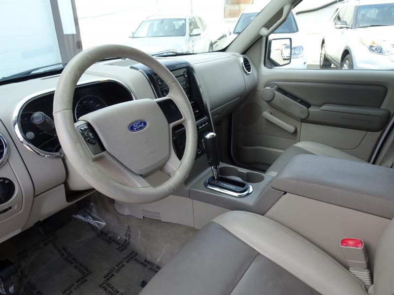 Ford Explorer 2006 price $2,995