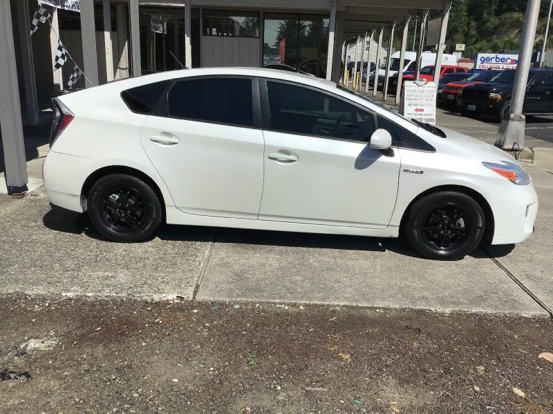 Toyota Prius 2015 price $12,599