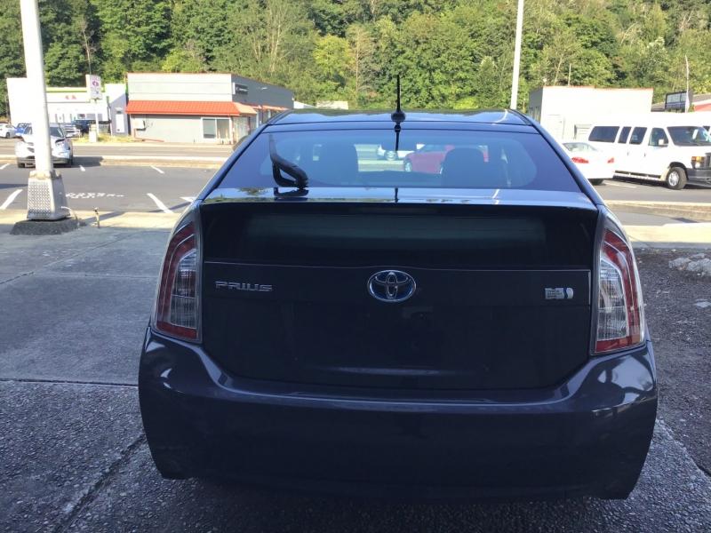 Toyota Prius 2013 price $13,999