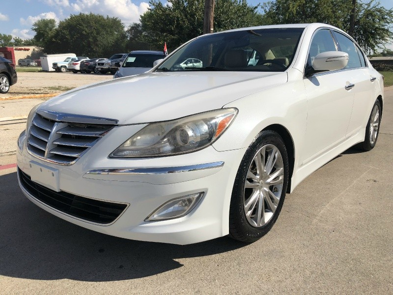 Hyundai Genesis 2012 price Sold