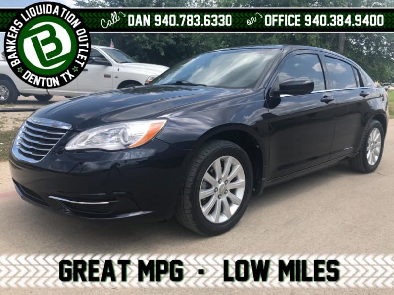 Chrysler 200 2011 price $9,995