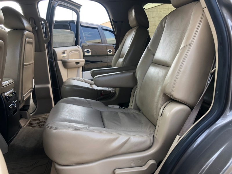 Cadillac Escalade 2011 price $20,995