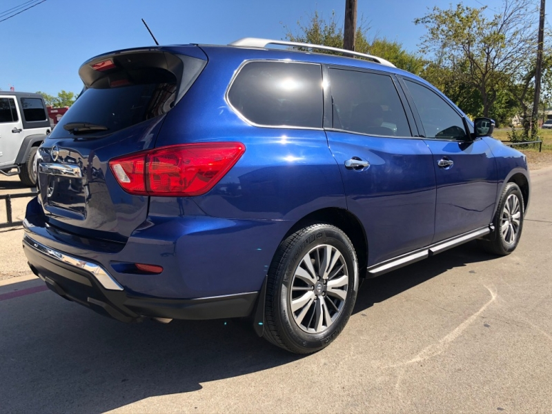 Nissan Pathfinder 2017 price $18,995