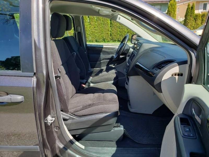 Dodge Grand Caravan 2017 price $17,999