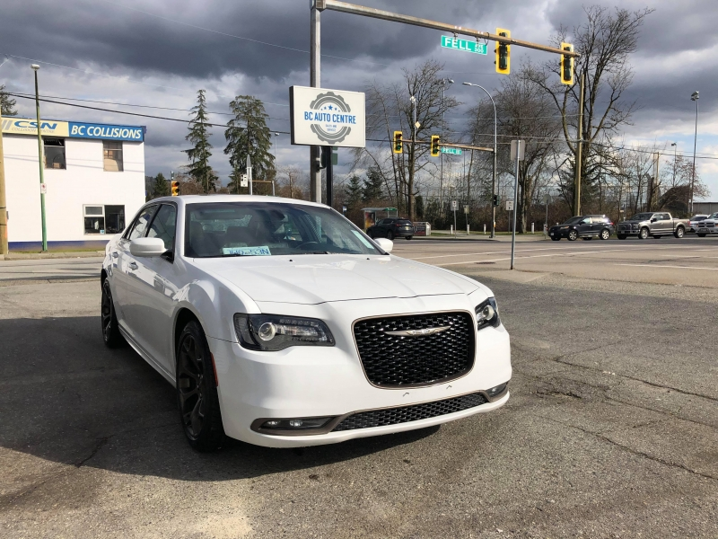 Chrysler 300 2017 price $24,995