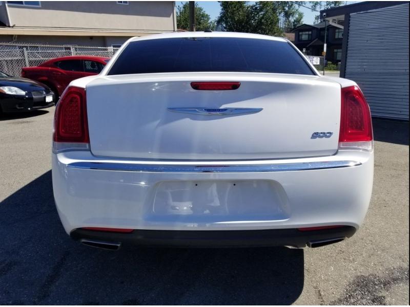 Chrysler 300-Series 2017 price $22,995