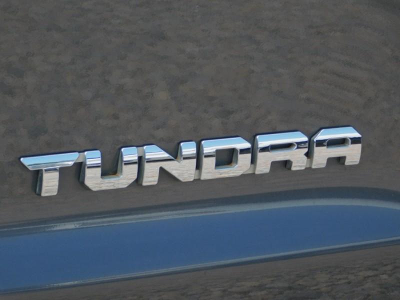 Toyota Tundra 2WD 2017 price $21,500