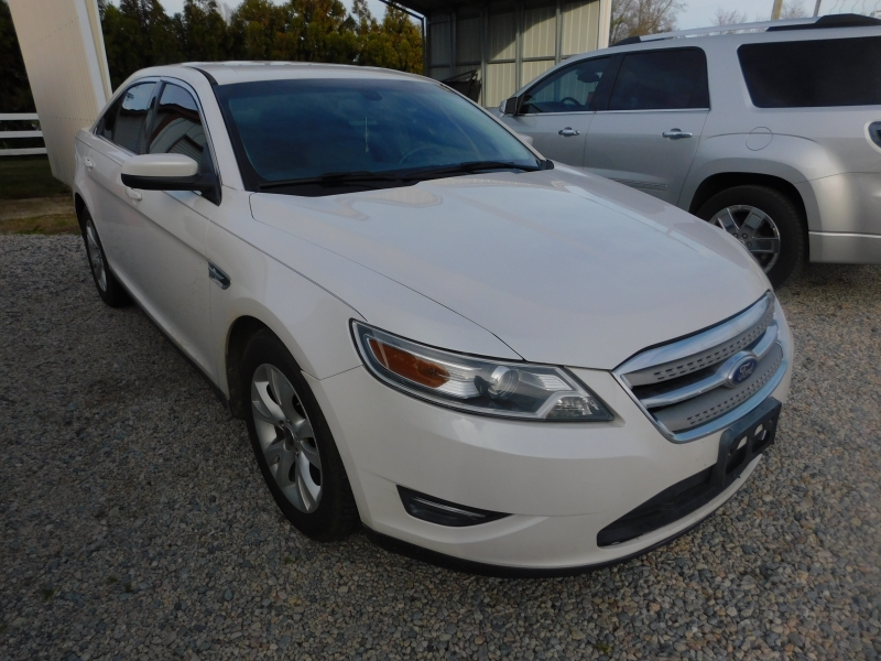 Ford Taurus 2011 price $7,900