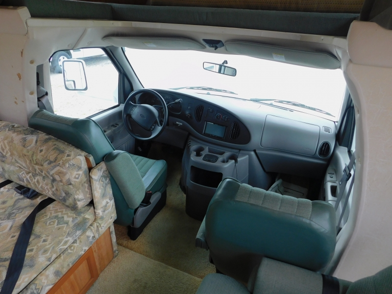 Ford Econoline Commercial Cutaway 2000 price $14,900
