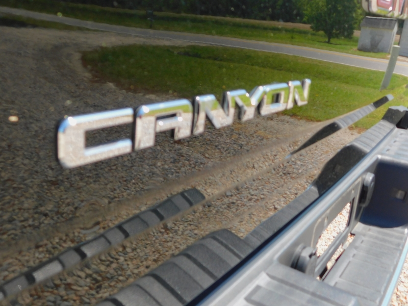 GMC Canyon 2015 price $19,900