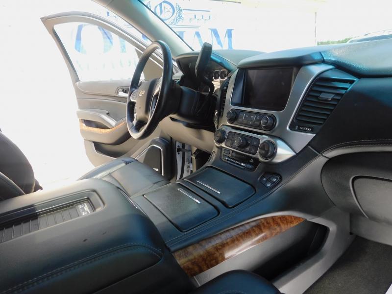Chevrolet Suburban 2016 price $23,900