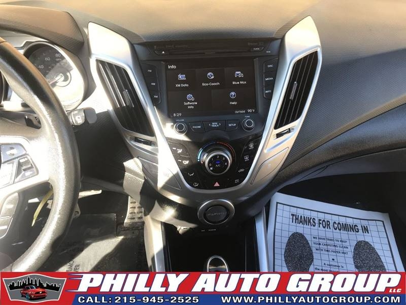 Hyundai Veloster 2013 price $8,485