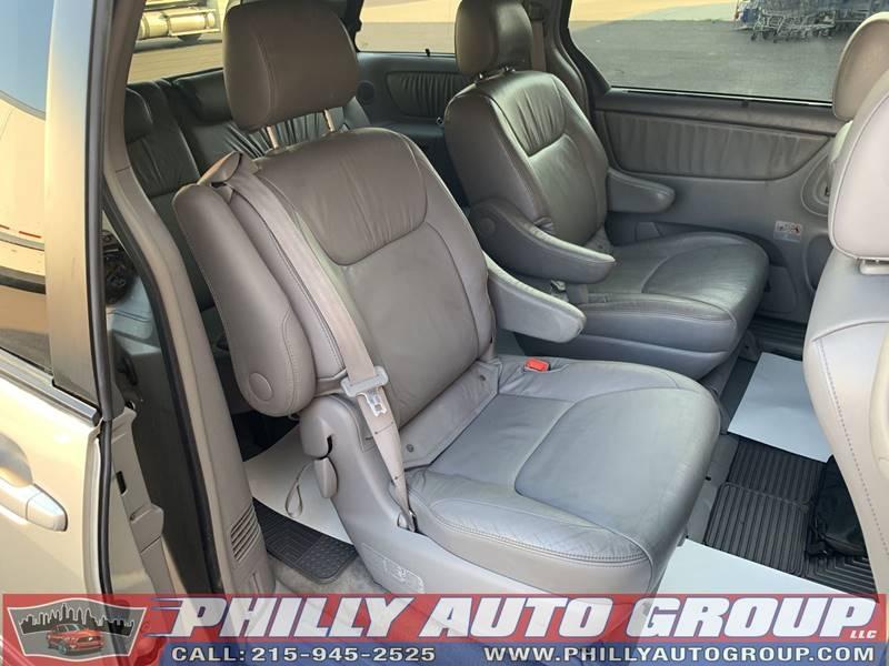 Toyota Sienna 2006 price $8,345