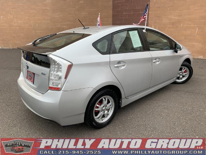 Toyota Prius 2010 price $8,775