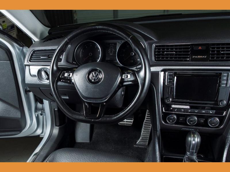 Volkswagen Passat 2018 price $16,850