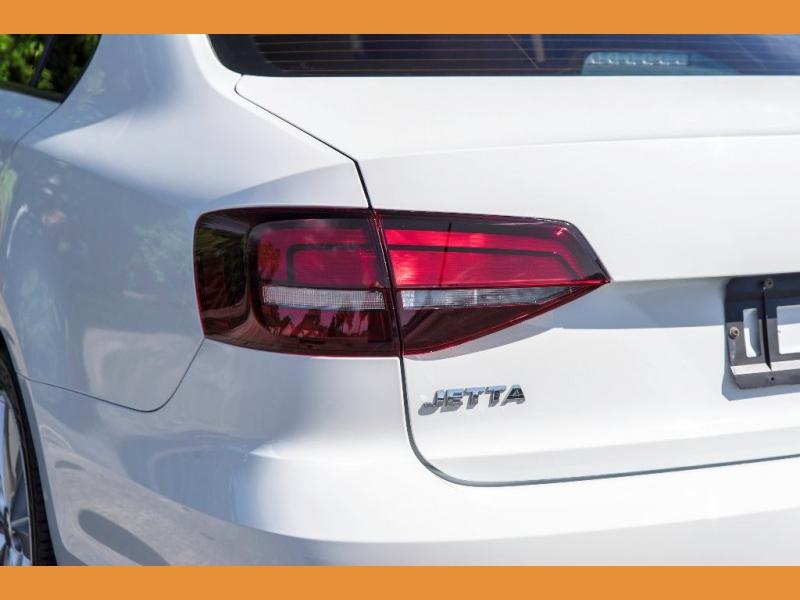 Volkswagen Jetta Sedan 2016 price $10,950