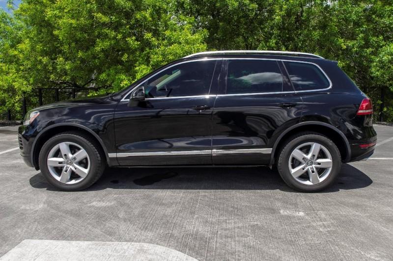Volkswagen Touareg 2012 price $0
