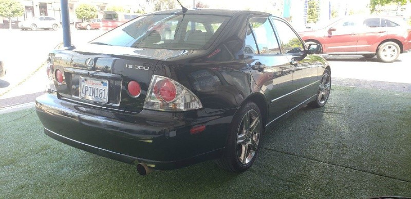 Lexus IS 300 2001 price $3,500