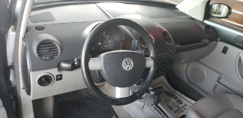 Volkswagen New Beetle 2003 price $3,999