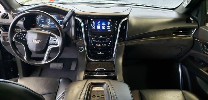 Cadillac Escalade ESV 2016 price $42,000