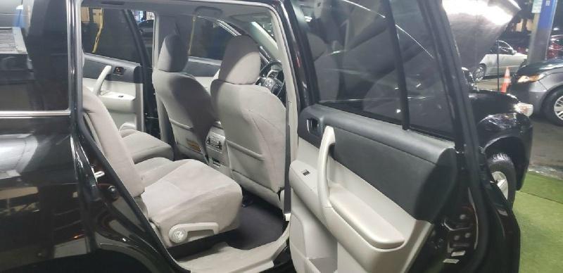 Toyota Highlander 2012 price $10,499