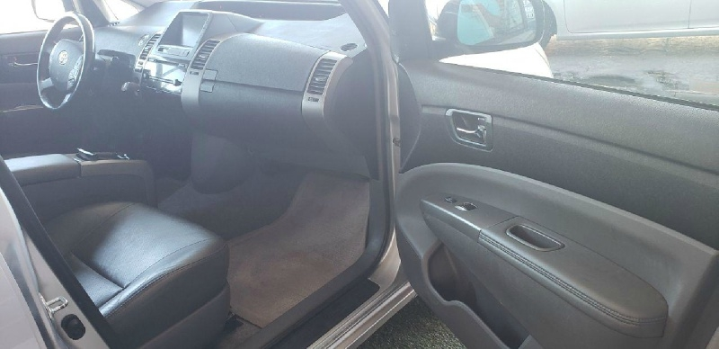 Toyota Prius 2009 price $6,499