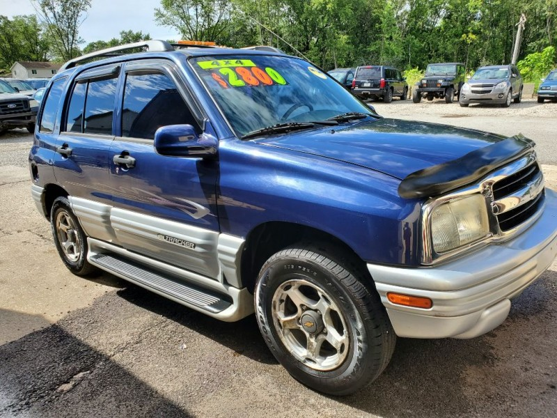 CHEVROLET TRACKER 2001 price $2,800
