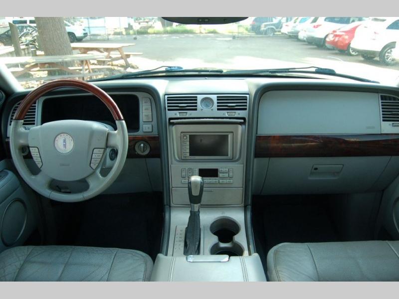 LINCOLN NAVIGATOR 2004 price $5,500