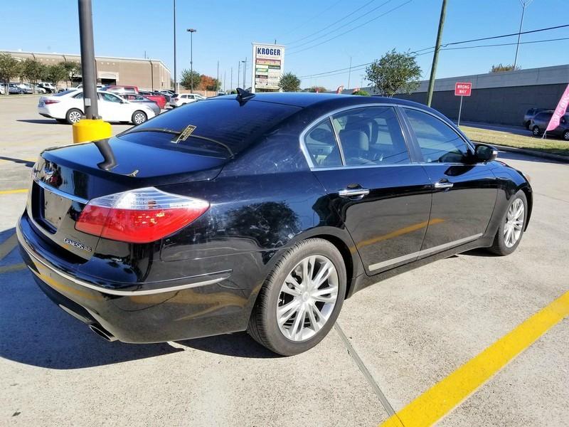 Hyundai Genesis 2011 price $8,995