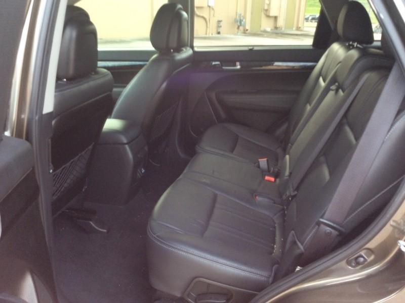 Kia Sorento 2014 price $11,495