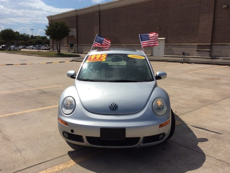 Volkswagen New Beetle Coupe 2006 price $2,995