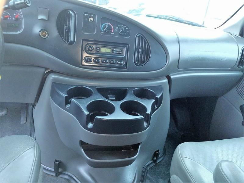 Ford Econoline Cargo Van 2006 price $6,995