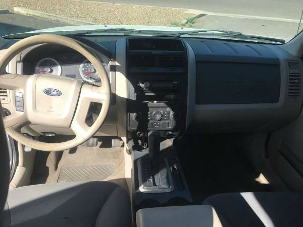Ford Escape 2008 price $3,300