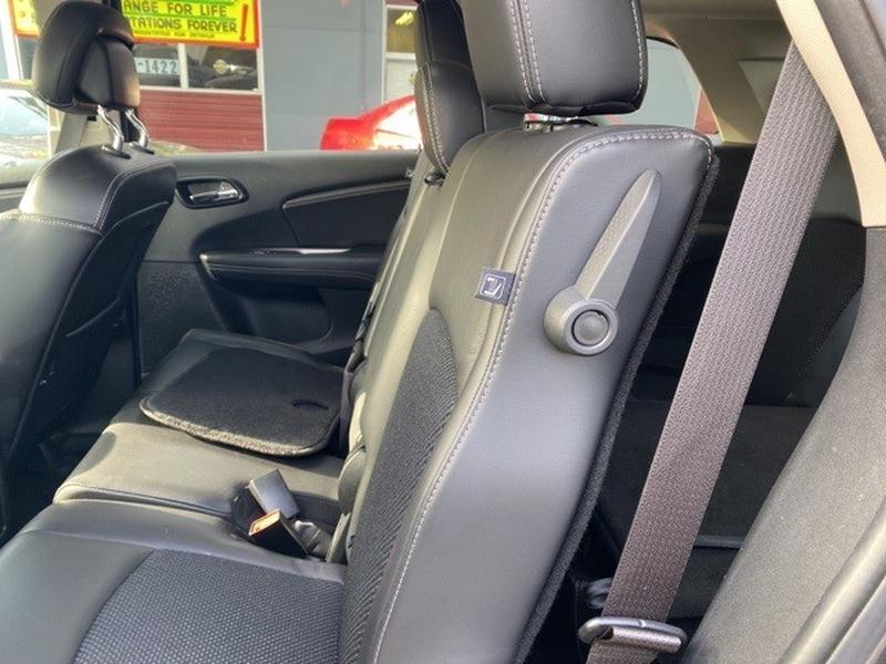 Dodge Journey 2018 price $18,999