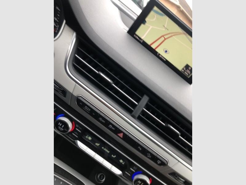 Audi Q7 2017 price $37,995