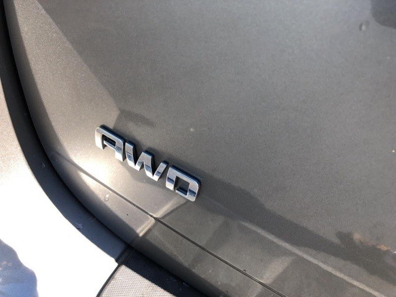 Chevrolet Equinox 2012 price $10,400