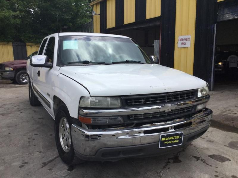CHEVROLET SILVERADO 1500 2001 price $299 Down