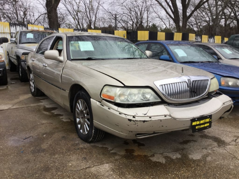 LINCOLN TOWN CAR 2005 price $199 Down
